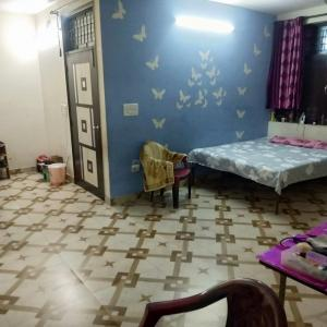 Gallery Cover Image of 900 Sq.ft 3 BHK Independent Floor for rent in Sector 8 Dwarka for 28000