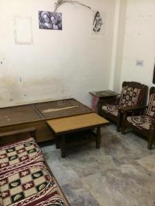 Gallery Cover Image of 360 Sq.ft 1 BHK Independent Floor for rent in Laxmi Nagar for 9000