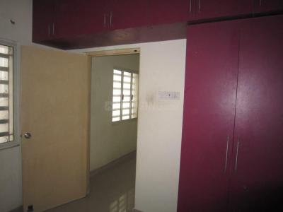 Gallery Cover Image of 1020 Sq.ft 2 BHK Apartment for rent in Velachery for 16000