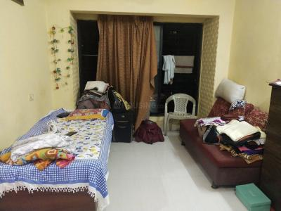 Gallery Cover Image of 400 Sq.ft 1 BHK Apartment for rent in Malad West for 10000