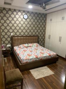 Gallery Cover Image of 1200 Sq.ft 3 BHK Apartment for rent in Kalkaji for 31000