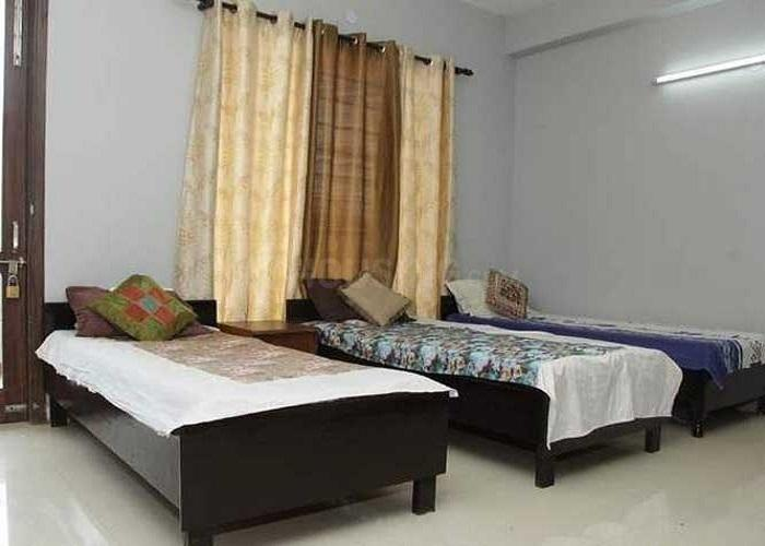 Bedroom Image of Room Soom in Sector 17