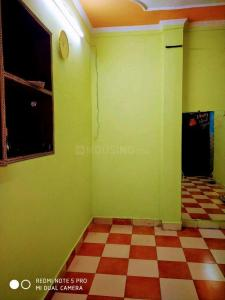 Gallery Cover Image of 450 Sq.ft 1 BHK Independent Floor for buy in Pandav Nagar for 2200000
