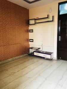 Gallery Cover Image of 600 Sq.ft 2 BHK Independent Floor for rent in Sector 3 Rohini for 16000