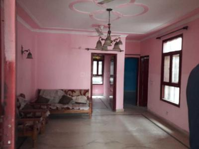 Gallery Cover Image of 900 Sq.ft 3 BHK Independent Floor for rent in Chhattarpur for 13000