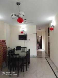 Gallery Cover Image of 1400 Sq.ft 3 BHK Independent House for rent in Chittaranjan Park for 48000