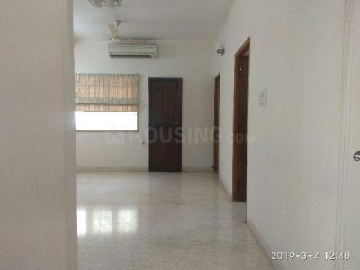 Gallery Cover Image of 2000 Sq.ft 3 BHK Apartment for rent in Adyar for 45000