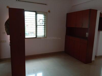 Gallery Cover Image of 1390 Sq.ft 3 BHK Apartment for rent in Lakshmi Sadan, Arakere for 18000