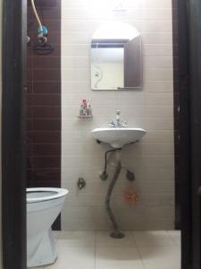 Bathroom Image of PG 4035720 Sarita Vihar in Sarita Vihar