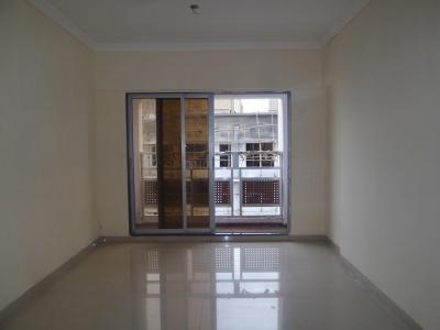 Gallery Cover Image of 1200 Sq.ft 4 BHK Apartment for rent in Kurla West for 60000