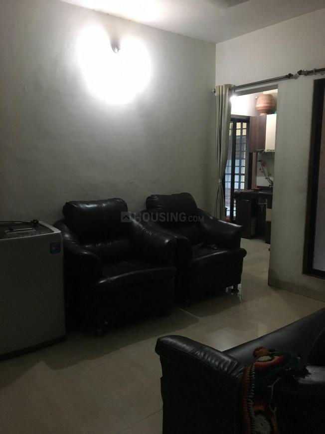 Living Room Image of 650 Sq.ft 1 BHK Apartment for rent in Kopar Khairane for 23000