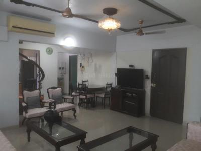 Gallery Cover Image of 1250 Sq.ft 2 BHK Independent Floor for rent in Prabhadevi for 150000