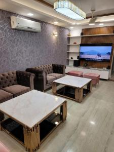 Gallery Cover Image of 1700 Sq.ft 3 BHK Apartment for rent in Dwarka Kunj Apartments, Sector 12 Dwarka for 26500