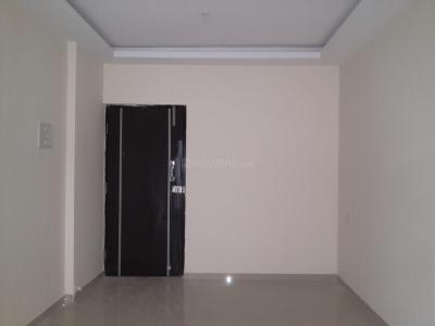 Gallery Cover Image of 635 Sq.ft 1 BHK Apartment for rent in Dahisar West for 20000