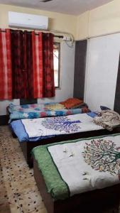 Bedroom Image of Tushar Paying Guest in Mira Road East