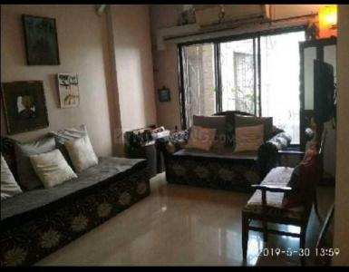 Gallery Cover Image of 780 Sq.ft 1 BHK Apartment for rent in Sukhmani Apartment, Juhu for 55000