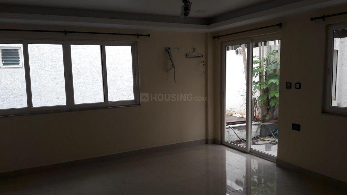 Living Room Image of 2600 Sq.ft 4 BHK Villa for buy in Palavakkam for 30000000