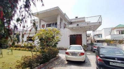 Gallery Cover Image of 7000 Sq.ft 5 BHK Independent Floor for rent in Raj Nagar for 100000