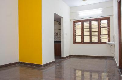 Gallery Cover Image of 900 Sq.ft 2 BHK Apartment for rent in Rajajinagar for 21000