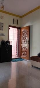 Gallery Cover Image of 800 Sq.ft 2 BHK Apartment for rent in Chitlapakkam for 11500