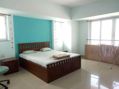 Gallery Cover Image of 1250 Sq.ft 2 BHK Apartment for rent in Lower Parel for 85000