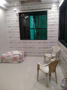 Gallery Cover Image of 550 Sq.ft 1 BHK Apartment for rent in Earth Darshan, Girgaon for 30000