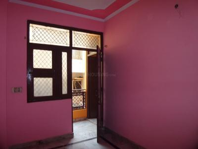 Gallery Cover Image of 450 Sq.ft 1 BHK Apartment for buy in Mandawali for 2200000