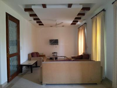 Gallery Cover Image of 2500 Sq.ft 3 BHK Independent Floor for buy in Vasant Vihar for 75000000