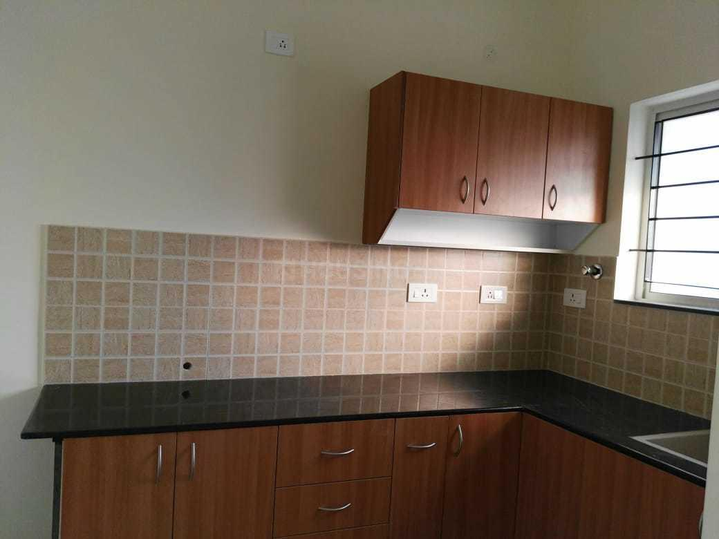 Kitchen Image of 887 Sq.ft 2 BHK Apartment for rent in Selaiyur for 13000
