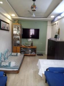 Gallery Cover Image of 450 Sq.ft 1 BHK Apartment for buy in Malad West for 7800000