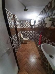 Common Bathroom Image of Happy Home Girls PG in Chandkheda