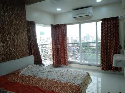 Gallery Cover Image of 800 Sq.ft 2 BHK Apartment for rent in Bandra West for 100000