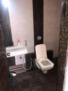 Bathroom Image of PG Homes in Airoli