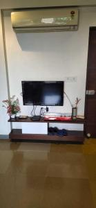 Gallery Cover Image of 1150 Sq.ft 2 BHK Apartment for rent in Bopal for 13600