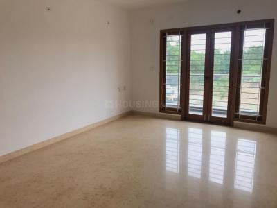 Gallery Cover Image of 2500 Sq.ft 3 BHK Independent Floor for rent in Manapakkam for 45000