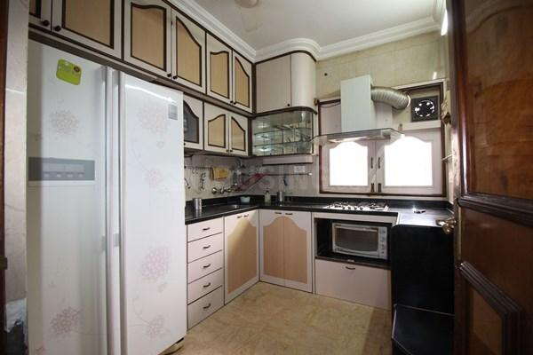 Kitchen Image of 1600 Sq.ft 3 BHK Apartment for rent in Bandra West for 200000