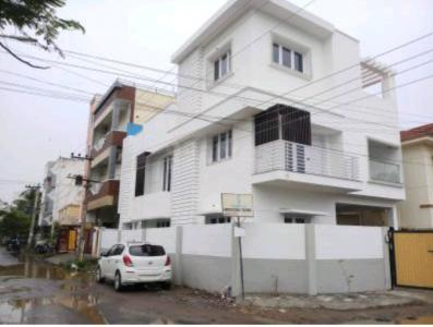 Gallery Cover Image of 2000 Sq.ft 4 BHK Independent House for rent in Madipakkam for 50000