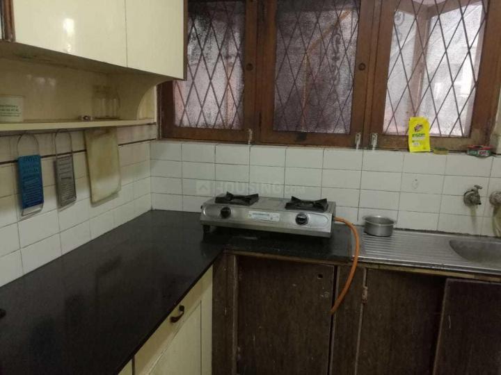इंदिरा नगर में सुमि पीजी अकॉमोडेशन में किचन की तस्वीर