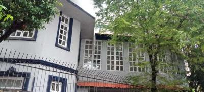 Gallery Cover Image of 5200 Sq.ft 10 BHK Independent House for rent in Mahim for 800000