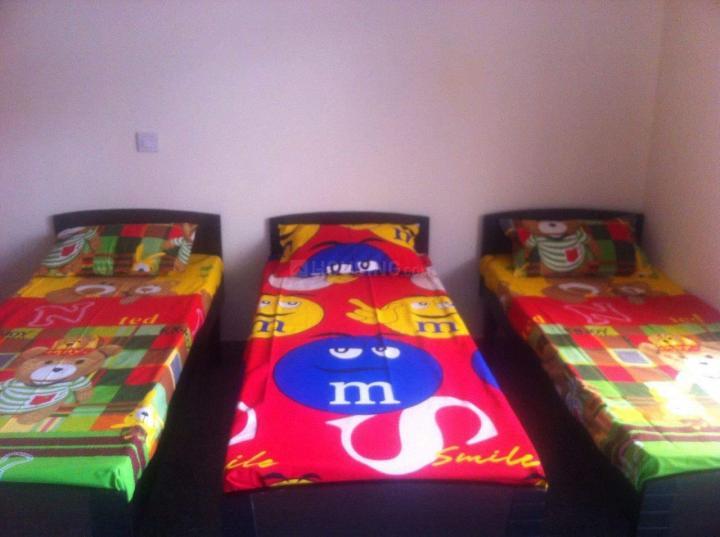 वेव्ज पीजी इन सेक्टर 15 के बेडरूम की तस्वीर