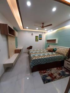 Gallery Cover Image of 1800 Sq.ft 3 BHK Apartment for buy in Bhawalpur Apartment, Sector 6 Dwarka for 15800000
