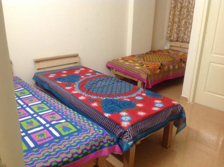 इंदिरा नगर में श्री संध्या पीजी फॉर जैंट्स में बेडरूम की तस्वीर