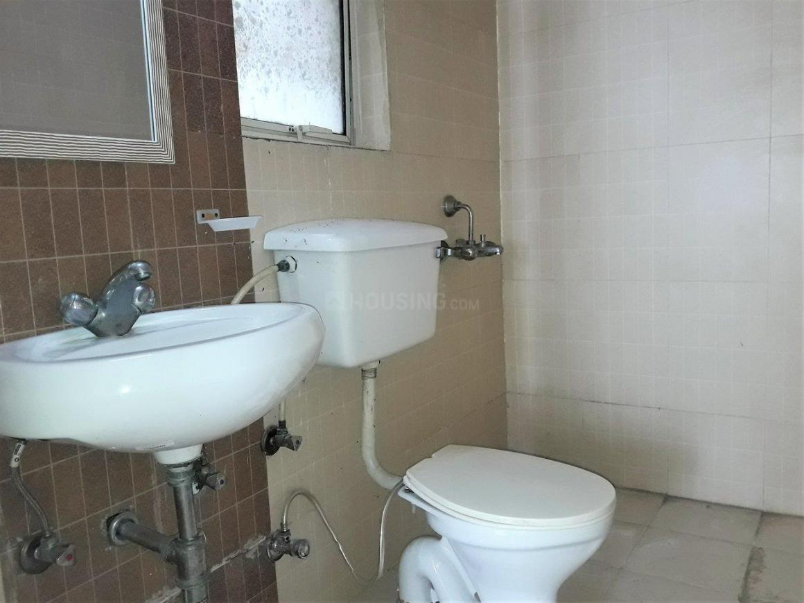 Common Bathroom Image of 2260 Sq.ft 2 BHK Independent Floor for rent in Sector 19 for 18000