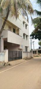 Gallery Cover Image of 597 Sq.ft 2 BHK Apartment for buy in Lake View Apartment, Chromepet for 1900000