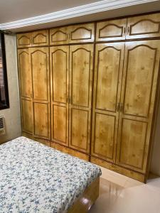 Gallery Cover Image of 1800 Sq.ft 3 BHK Apartment for rent in Jogeshwari West for 68000