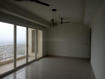 Gallery Cover Image of 1500 Sq.ft 3 BHK Apartment for rent in Mahagun Maestro, Sector 50 for 39000