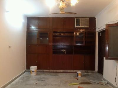 Gallery Cover Image of 1400 Sq.ft 2 BHK Apartment for rent in Sector A Pocket B&c, Vasant Kunj for 35000