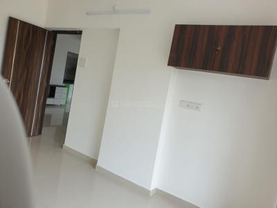 Gallery Cover Image of 800 Sq.ft 2 BHK Apartment for buy in Borivali West for 16800000