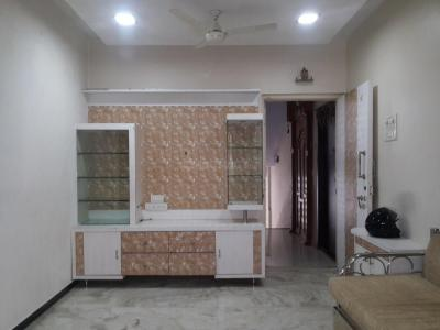 Gallery Cover Image of 660 Sq.ft 2 BHK Apartment for rent in Kandivali East for 22000