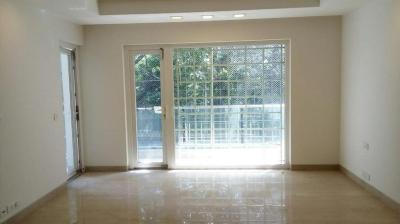 Gallery Cover Image of 1800 Sq.ft 3 BHK Independent Floor for buy in Safdarjung Enclave for 40000000